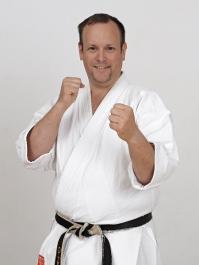 Dirk Zeuge/ Trainer Karate: Erwachsene,  Jukuren,  Selbstverteidigung